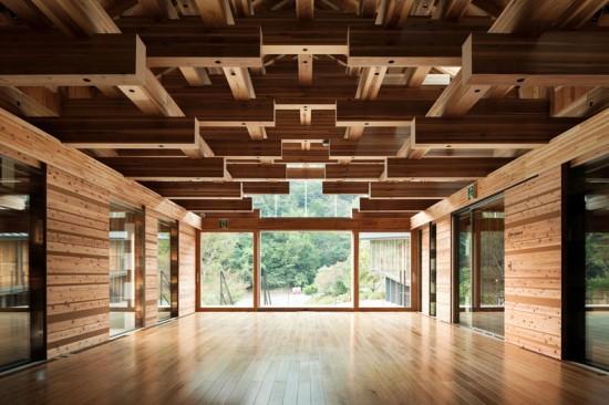 Yusuhara-puente-museo-de-madera-kengo-kuma-and-associates-5-550x366
