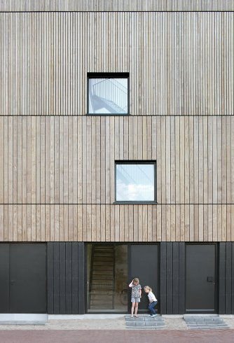 lofthouse-i-marc-koehler-architects-amsterdam-the-netherlands-prefabricated-wooden-house_dezeen_2364_col_3