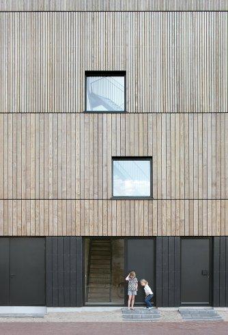 lofthouse-i-marc-koehler-architects-amsterdam-the-netherlands-prefabricated-wooden-house_dezeen_2364_col_3