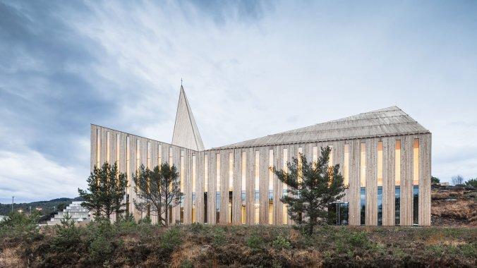 big_1community_church_knarvik_hordaland_norway_reiulf_ramstad_arkitekter_yatzer